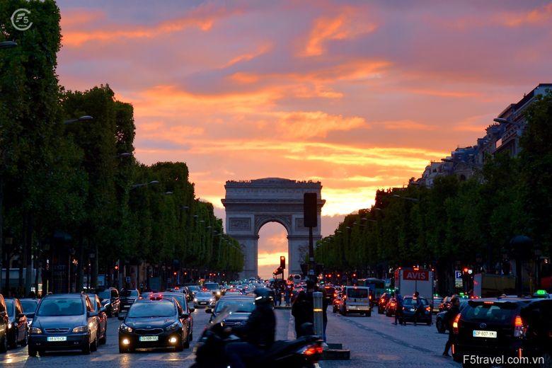 France paris3 780x520 - Danh sách tour khởi hành năm 2018
