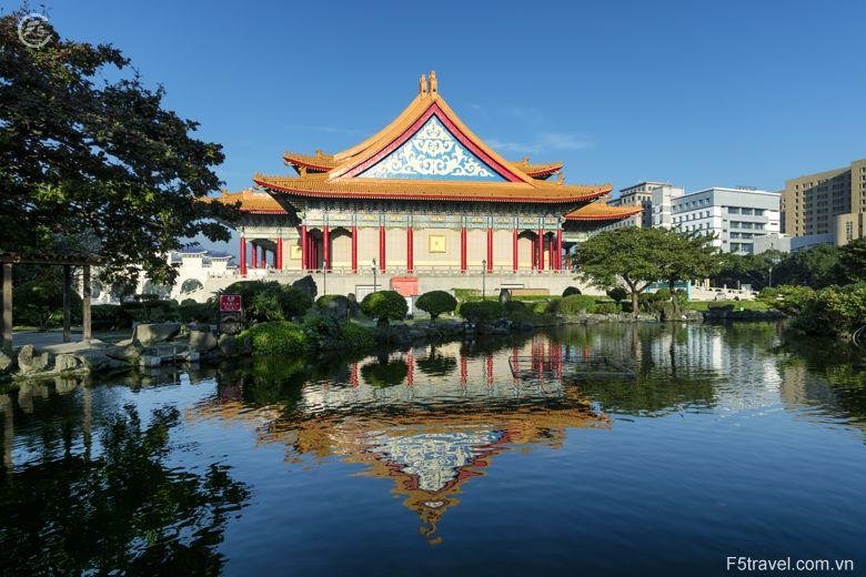 Taiwan taipei dai tuong niem tuonggioithach13 780x520 - Tour du lịch Đài Loan