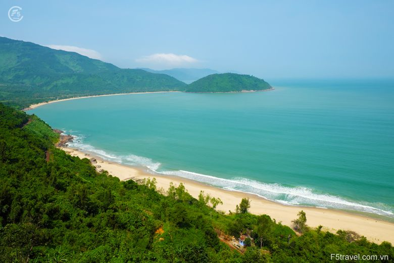Vietnam hue lang co 780x520 - Danh sách tour khởi hành năm 2018