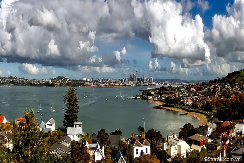 New zealand aukland 780x520 - Tour du lịch khám phá New Zealand: Auckland – Christchurch - Queensland
