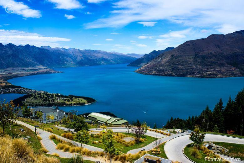 New zealand lake wakatipi 780x520 - Tour du lịch khám phá New Zealand: Auckland – Christchurch - Queensland