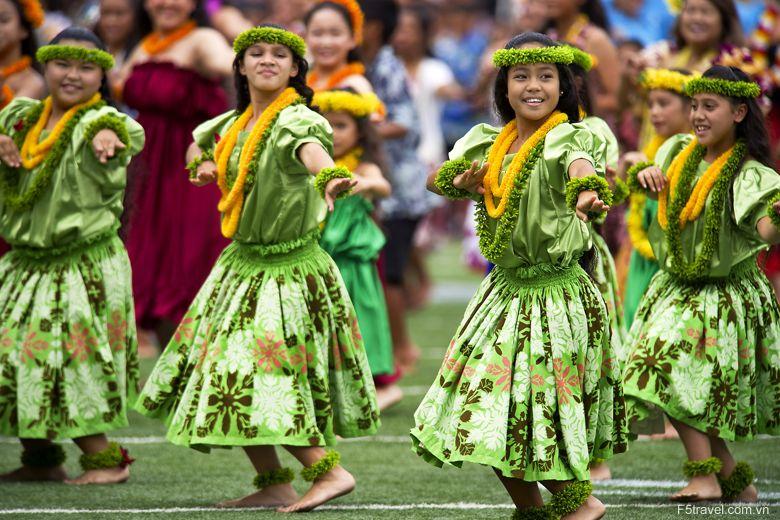 Usa hawaii an hula dancers 780x520 - Khám phá du lịch thiên đường biển xanh HAWAII