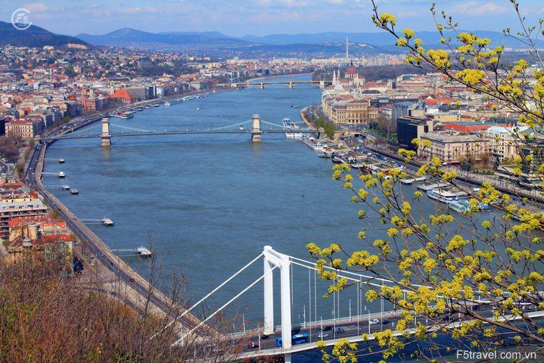 Hungary danube 780x520 - Tour du lịch Đông Âu: Áo – CH Séc – Hungary – Đức