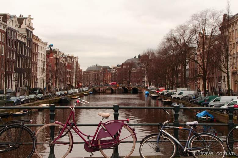 Holland amsterdam5 780x520 - Danh sách tour khởi hành năm 2018