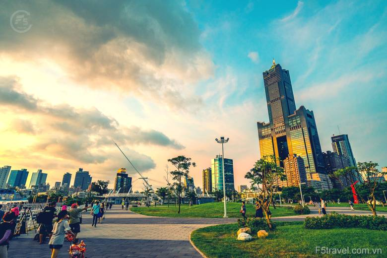 Taiwan Kaohsiung tower 780x520 - Tour du lịch Đài Loan