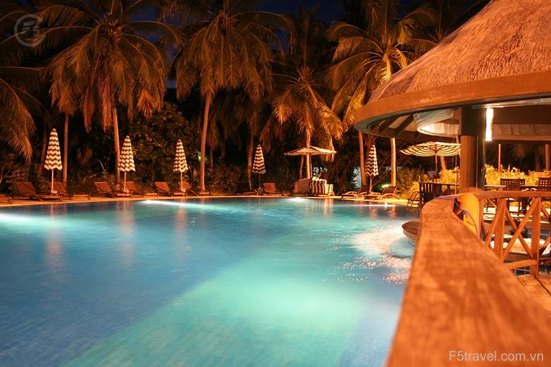 maldives pool 780x520 - Thiên đường nghỉ dưỡng Maldives 05N04Đ (Hàng không Singapore Airlines - resort 4 sao)